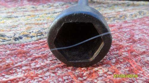 antigua llave cruz con palanca con 5 tuercas auto rueda