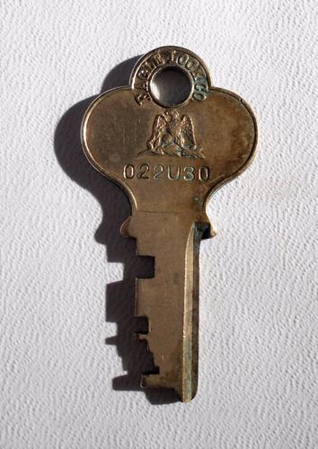 antigua llave de bronce  eagle lock co americana