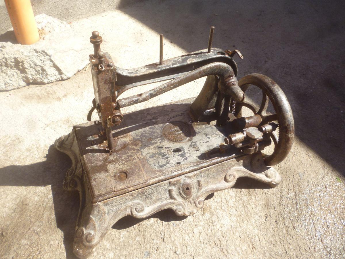 Antigua Maquina De Coser De Fierro..,vencedora, - $ 110