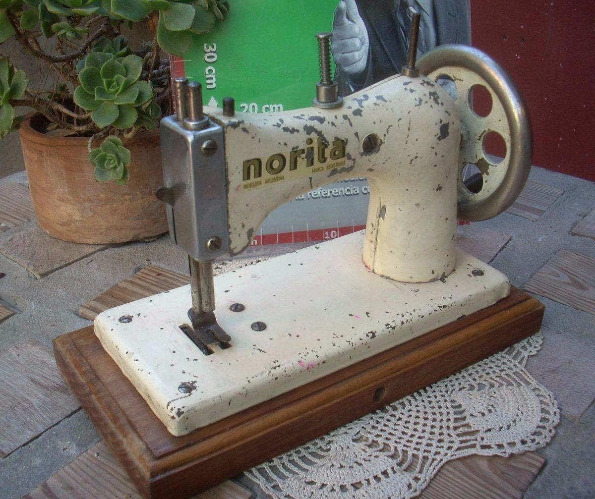 Antigua Maquina De Coser Norita Blanca Funcionando (6257) - $ 1.200 ...
