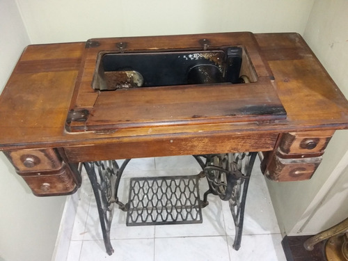 antigua maquina de coser singer