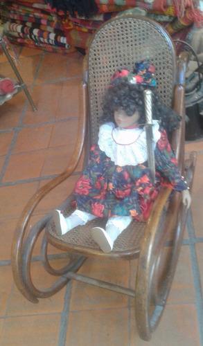 antigua mecedora sillon niña niño madera thonet esterilla