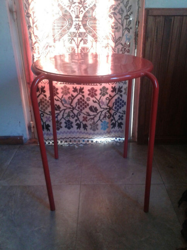 antigua mesa de bar