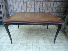 mesa de comedor antigua antiguo clásico en ambiente hogareño — Foto ...