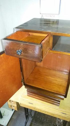 antigua mesa de luz