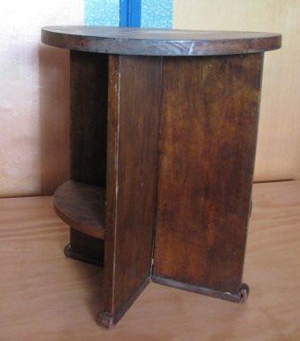 Antigua mesita redondo de madera noble en for Antecomedores redondos madera