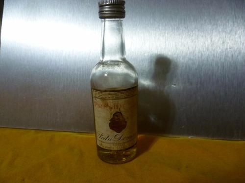 antigua minibotellita  brandy domecq.
