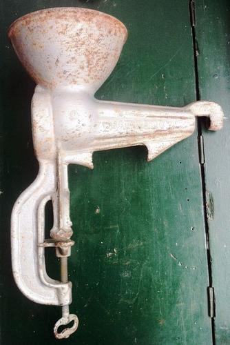 antigua moledora de cafe husqvarna suecia 195? antiguo