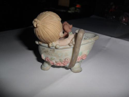antigua muñeca muñequita bañera perrito burbuja miniatura