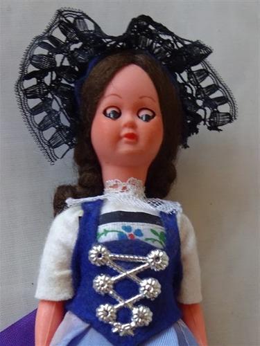 antigua muñeca souvenir vestimenta tipica lucerna suiza 17cm