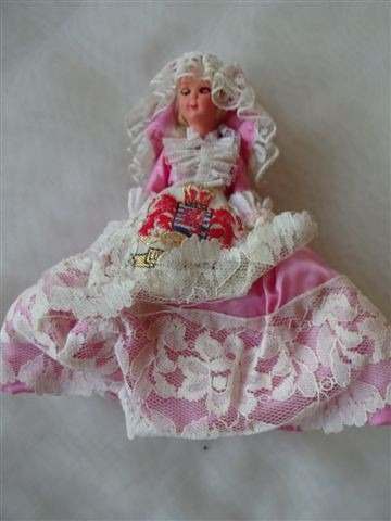 antigua muñeca souvenir vestimenta tipica luxemburg 18 cm