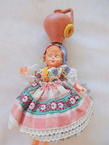 antigua muñeca souvenir vestimenta tipica vasija honduras