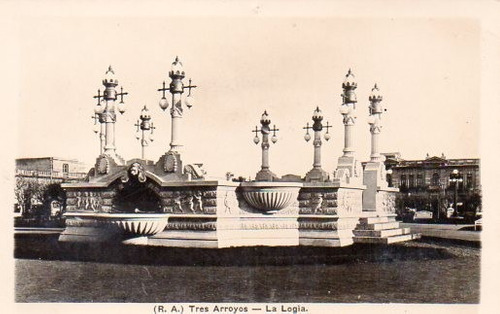 antigua postal plaza tres arroyos (b.a)
