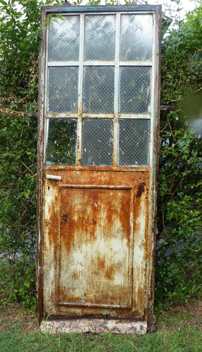 Antigua Puerta De Hierro Con Vidrios Repartidos Con Marco - $ 1.023 ...