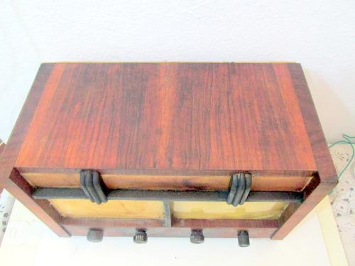 antigua radio a lampara de madera funcionando ver video