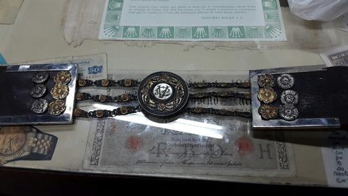 antigua rastra en plata y oro sellada