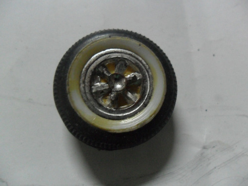 antigua rueda miniatura auto coche autito cochecito llanta