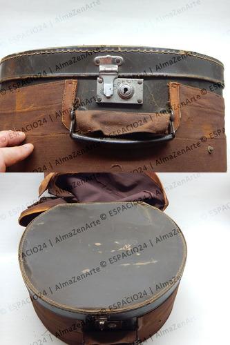 antigua sombrerera de cartón cosido y forrada funda de lona