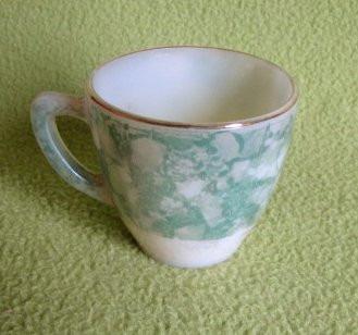 antigua tacita  de opalina sin platillo