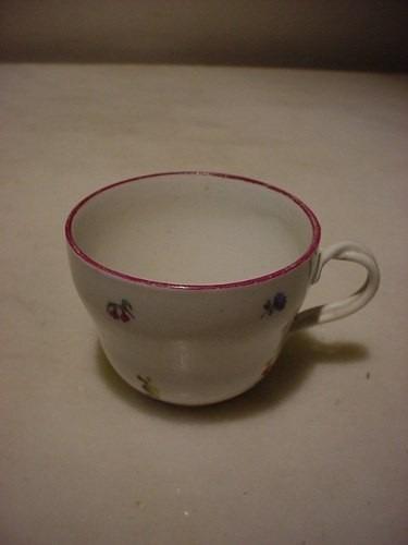 antigua tacita en porcelana alemana