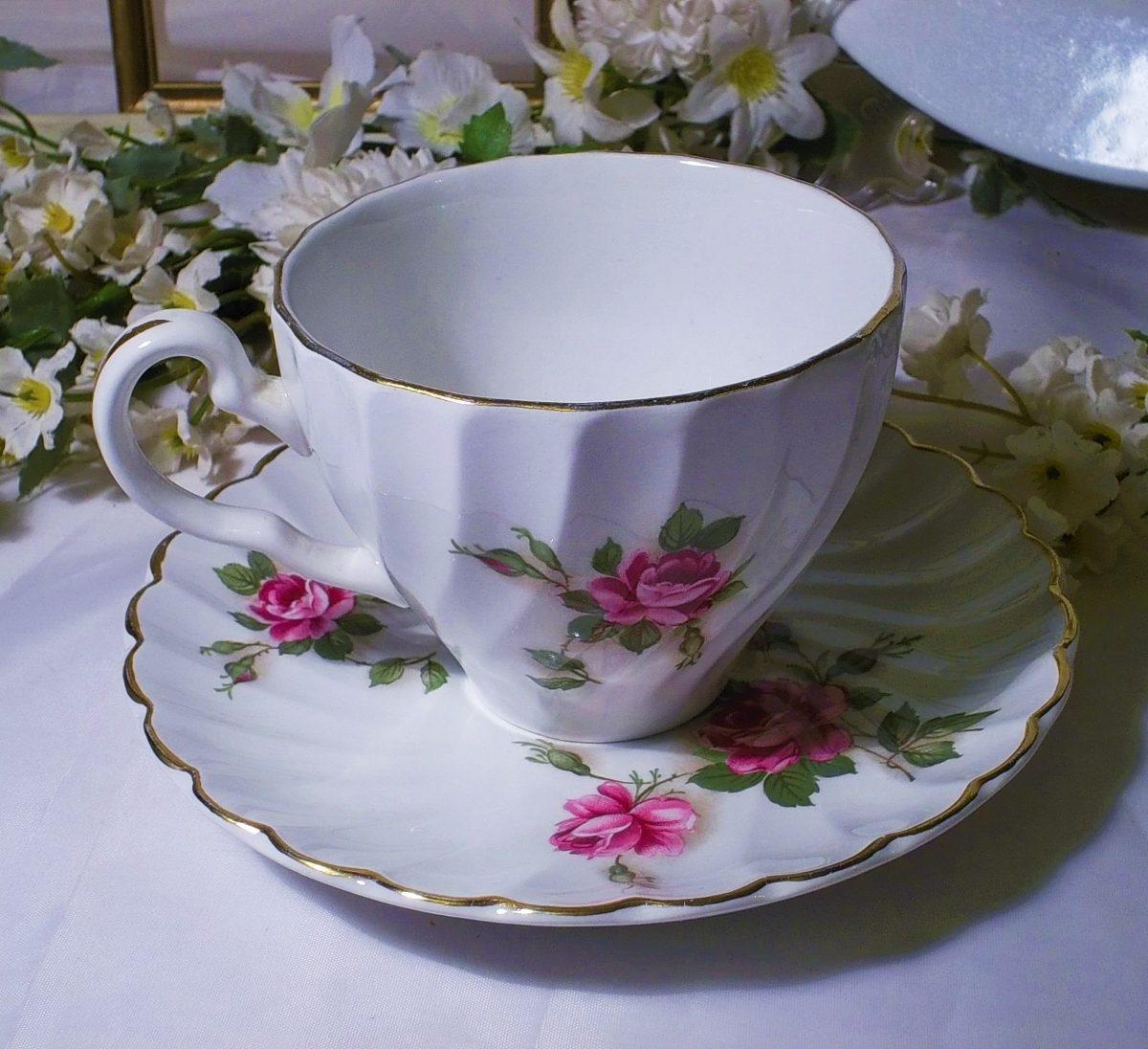 Antigua taza de te porcelana inglesa con rosas for Tazas de porcelana