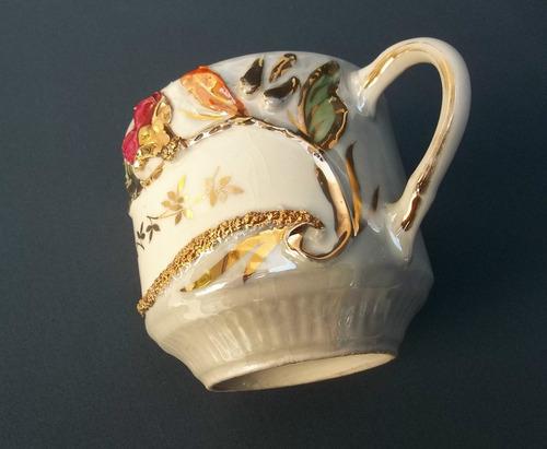 antigua taza isabelina alemana con flores y detalles en oro