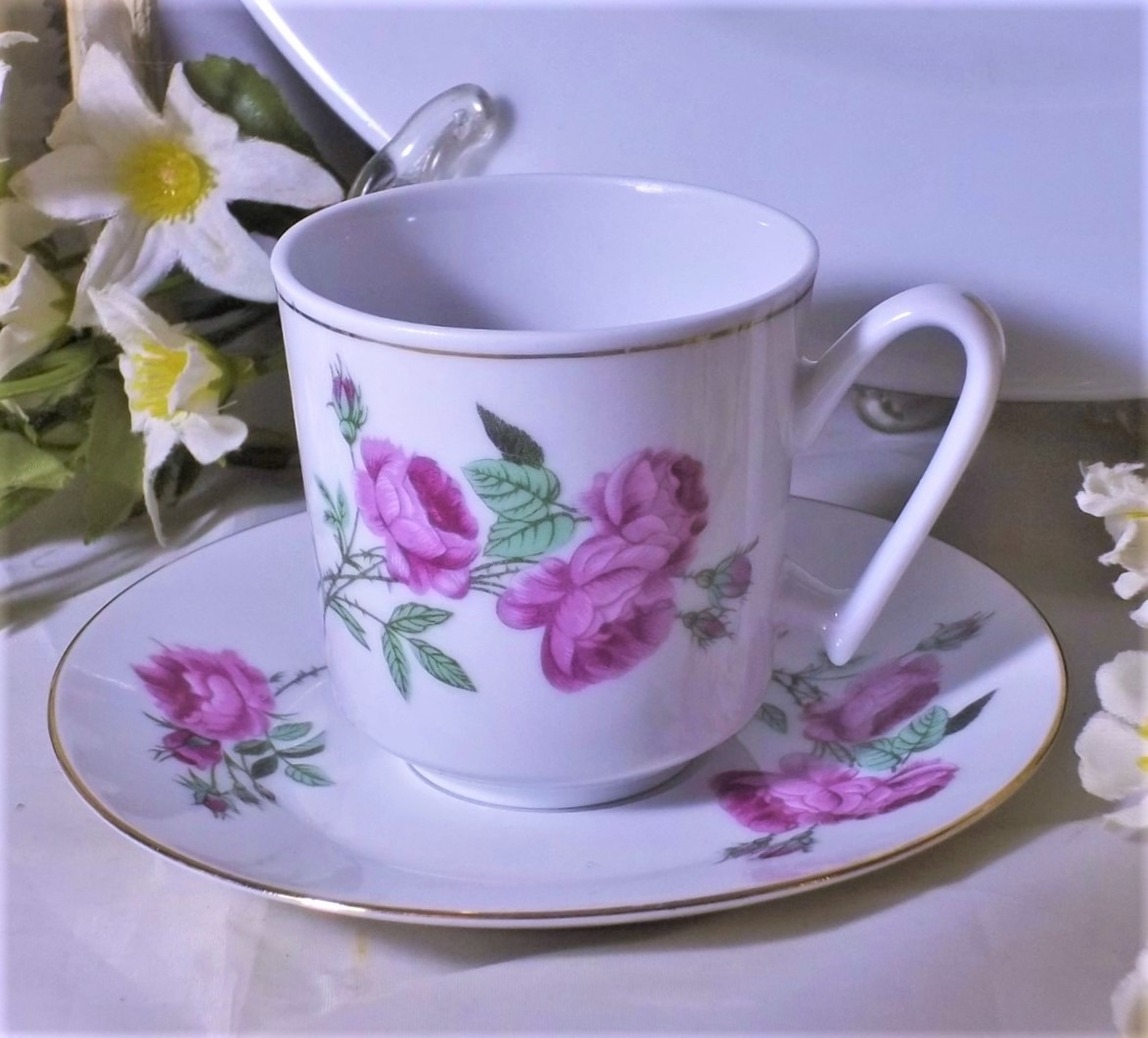 Antigua taza para caf de porcelana con rosas muy hermosa for Decoracion con tazas de cafe