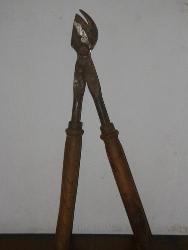 antigua tijera de poda de dos manos, mangos de madera!!!