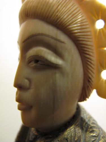 antigua y gran figura china bronce y material noble oriental