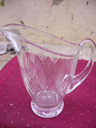 antigua y hermosa jarra tallada 1/2 cristal    /1
