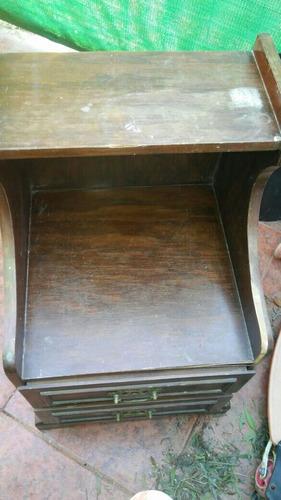 antigua y rara mesa de luz !!rebajada!!