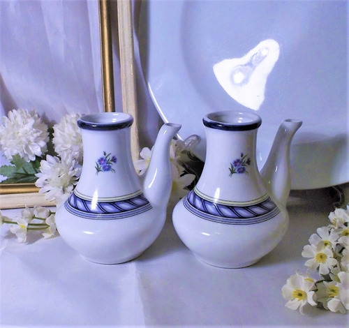 antiguas alcuzas botellas vinajeras de porcelana