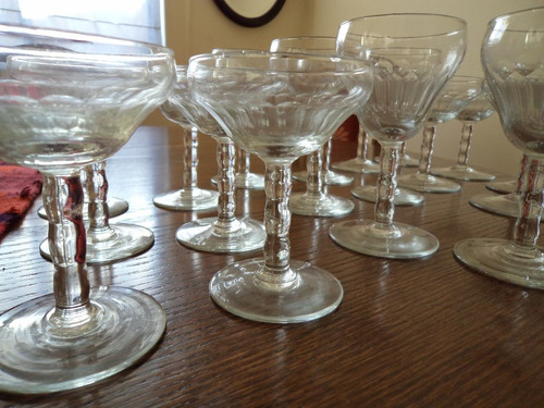 antiguas copas  de cristal tallado
