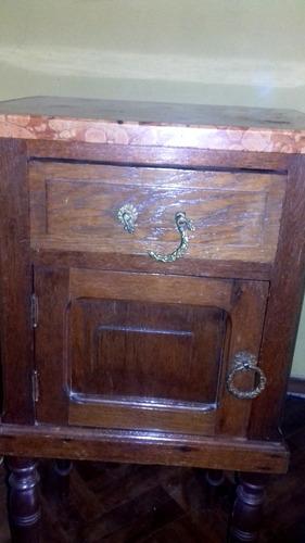 antiguas mesas de luz o noche de roble y mármol c/espejo