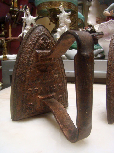 antiguas planchas de hierro