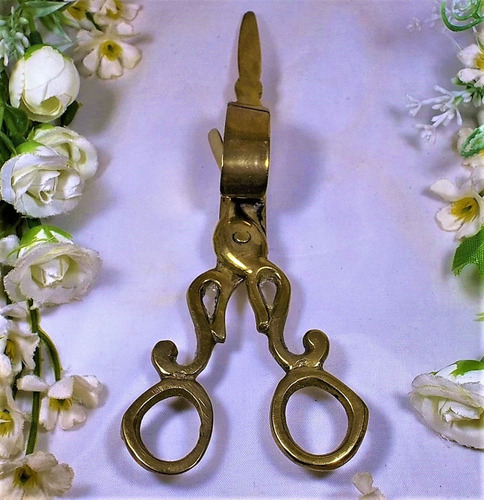 antiguas tijeras de bronce despabiladoras de velas