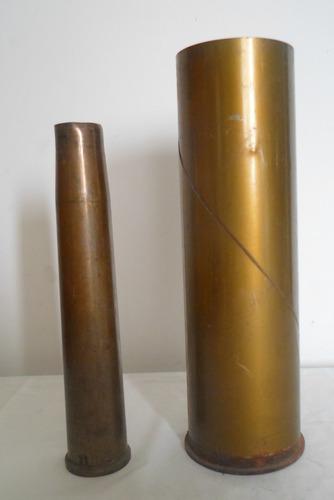 antiguas vainas de bronce de gran tamaño
