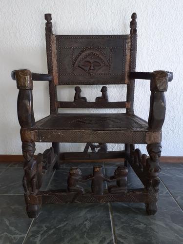 antiguedad de coleccion. asiento ceremonial etnico africano