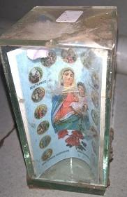 antiguo abalorio religioso