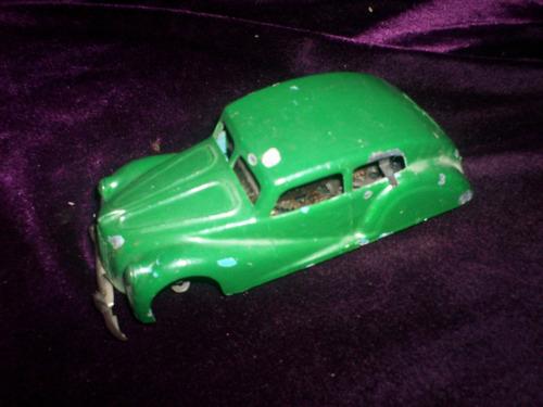 antiguo auto a cuerda italiano safar