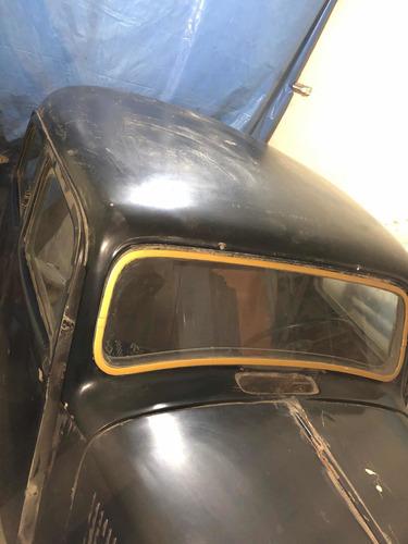 antiguo automóvil citroen 15 six 1952 de colección