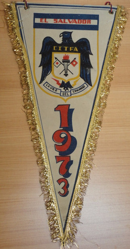 antiguo banderín la voz del comando  citfa el salvador  1973