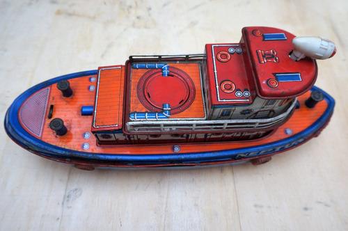 antiguo barco de juguete