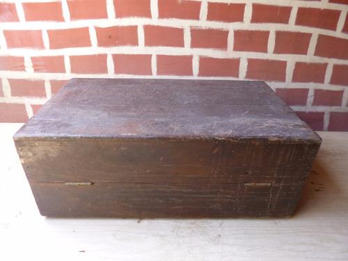 antiguo baul de cedro