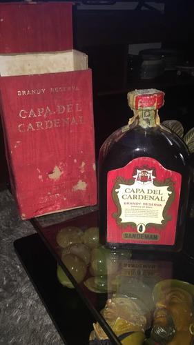 antiguo brandy en caja , con contenido