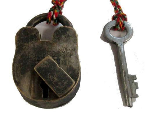 antiguo candado de bronce, con llave, funcionando, c1920