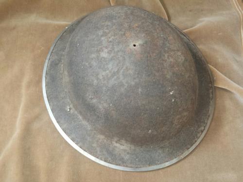 antiguo casco inglés primera guerra