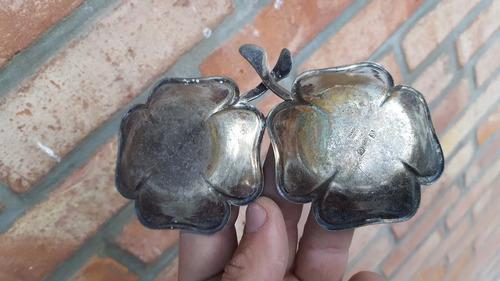 antiguo cenicero doble con forma de trebol de 4 hojas bronce