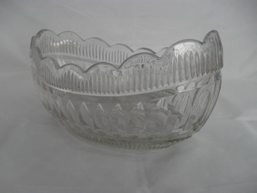 antiguo centro de mesa de vidrio fino tallado años 1950