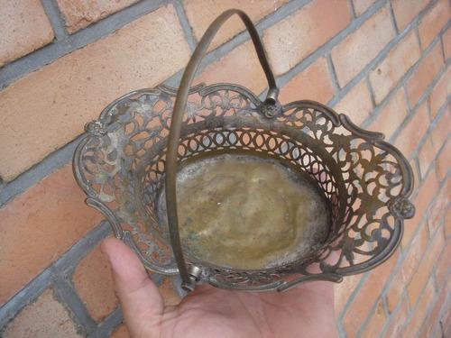 antiguo centro de mesa-panera-frutera de bronce